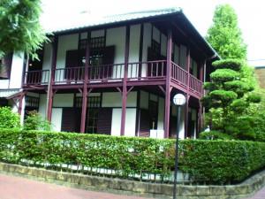 新島旧邸外観